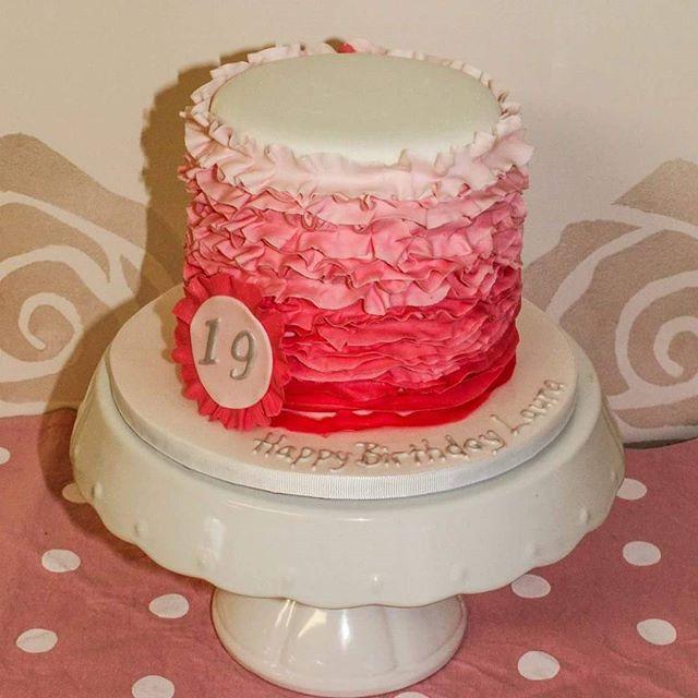 Pink Ombre Ruffle _#19thbirthdaycake #rufflecake #ombrecake #pretty #minicakes