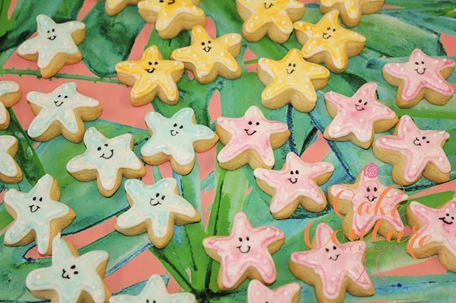 Watercolour starfish cookies_#sugarcookies #decoratedcookies #starfish #tropical #yummy #watercolour