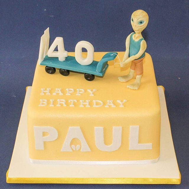 Paul_#40thbirthday #paulthemovie #fondantfigurines #aliencake