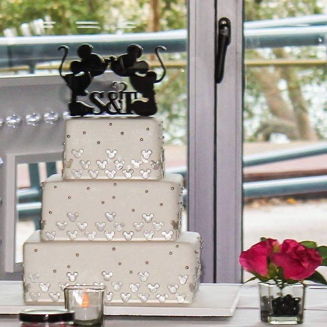 Mickey and Minnie say 'I do'_#mickeyandminniemouse #weddingcake #cute