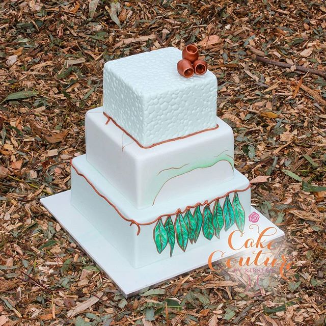 Eucalyptus Elegance_This 3 tier cake is bringing a bit of the country to the city