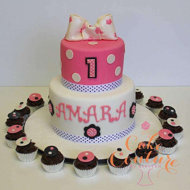 Amara's 1st Birthday _#polkadotcakes #fondantbows #minicupcakes #1stbirthday