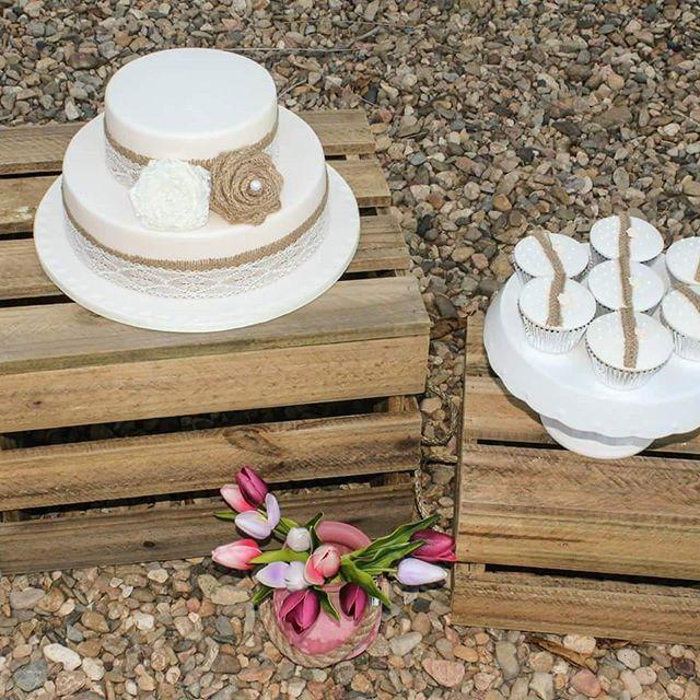 Hessian and Lace_#weddingcake #hessiancake #lacecake #rusticcakes #cupcakes