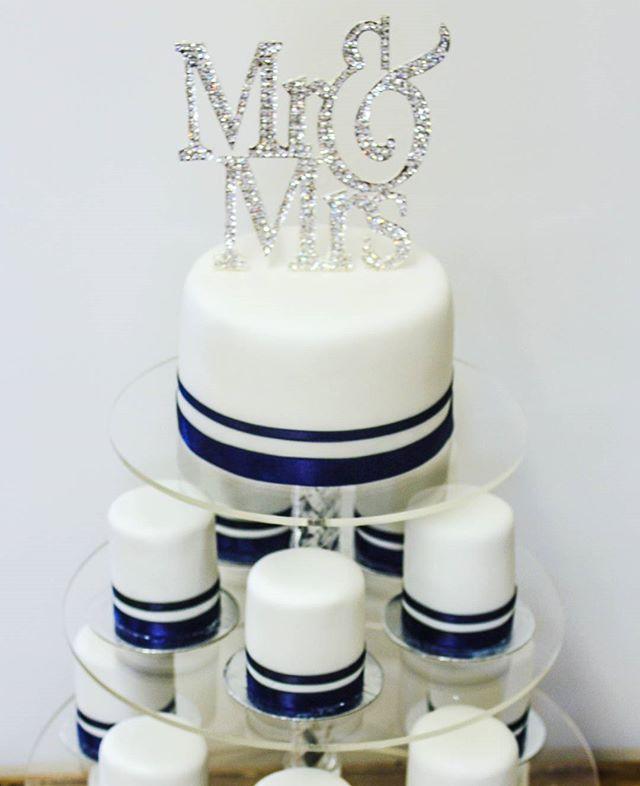 Navy Bling _#weddingcakes #miniweddingcakes #blingcake #simplicity #elegantcakes #lessismore #melbou