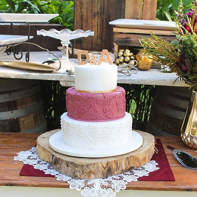 Burgundy Beauty_#weddingcake #burgundylace #vintagecakes