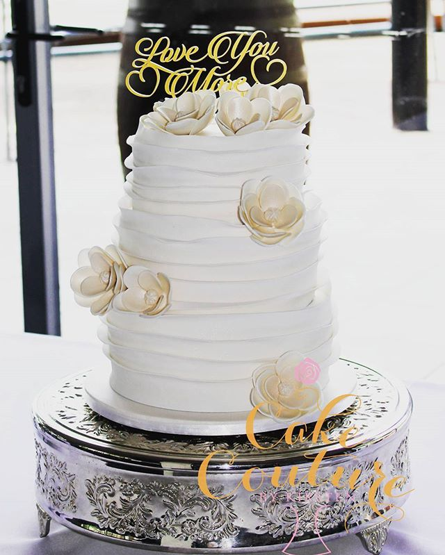 Love You More (original design not mine)_#weddingcake #fantasyflowers #rufflecake #caketopper #towns