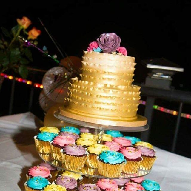 The Bold and the Bright_#weddingcake #goldcakes #cupcaketower #cupcakes #colourful