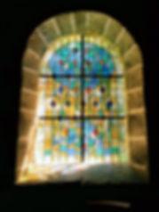 Vitrail chapelle St Mathurin.JPG