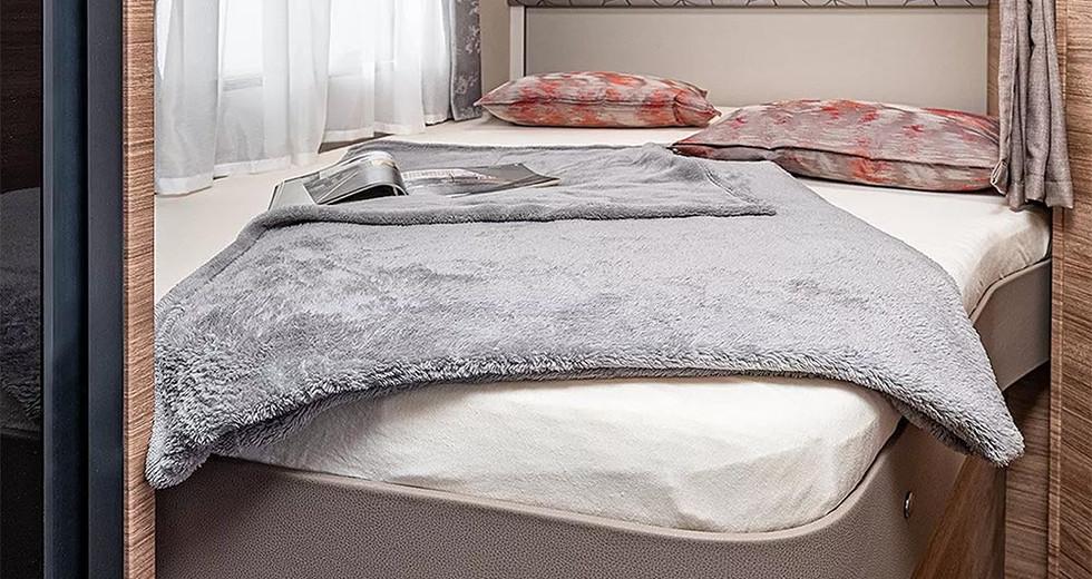 Weinsberg CaraSuite 650 MF - Bett
