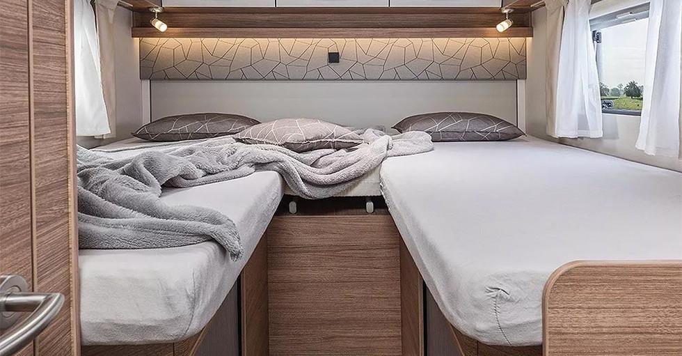 Weinsberg CaraSuite 700 ME - Bett