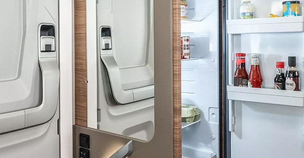 Weinsberg CaraCore 700MEG - Kühlschrank