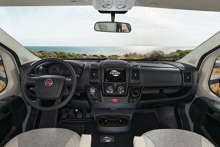 Carado A464 - Fahrerraum.jpg