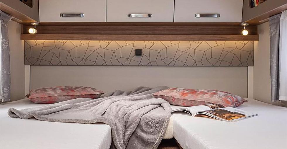 Weinsberg CaraLoft 650 ME - Bett
