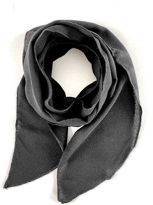 Foulard noir sobre