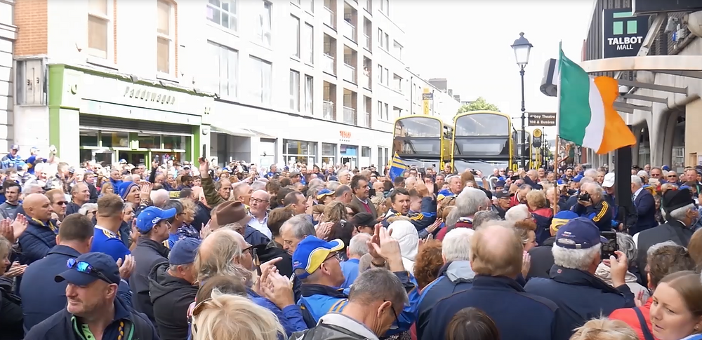 Crowds of Tipperary supporters outside 94 Talbot Street, Dublin, where Seán Treacy died in 1920.