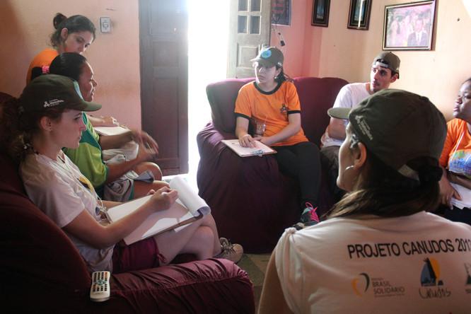 Projeto Canudos visita famílias para coleta de dados