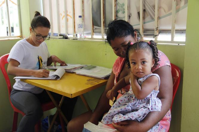 Assistente Social de Terra Roxa se destaca em projeto de ação voluntária na Bahia