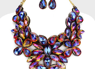 Why You Should Wear A Statement Necklace?