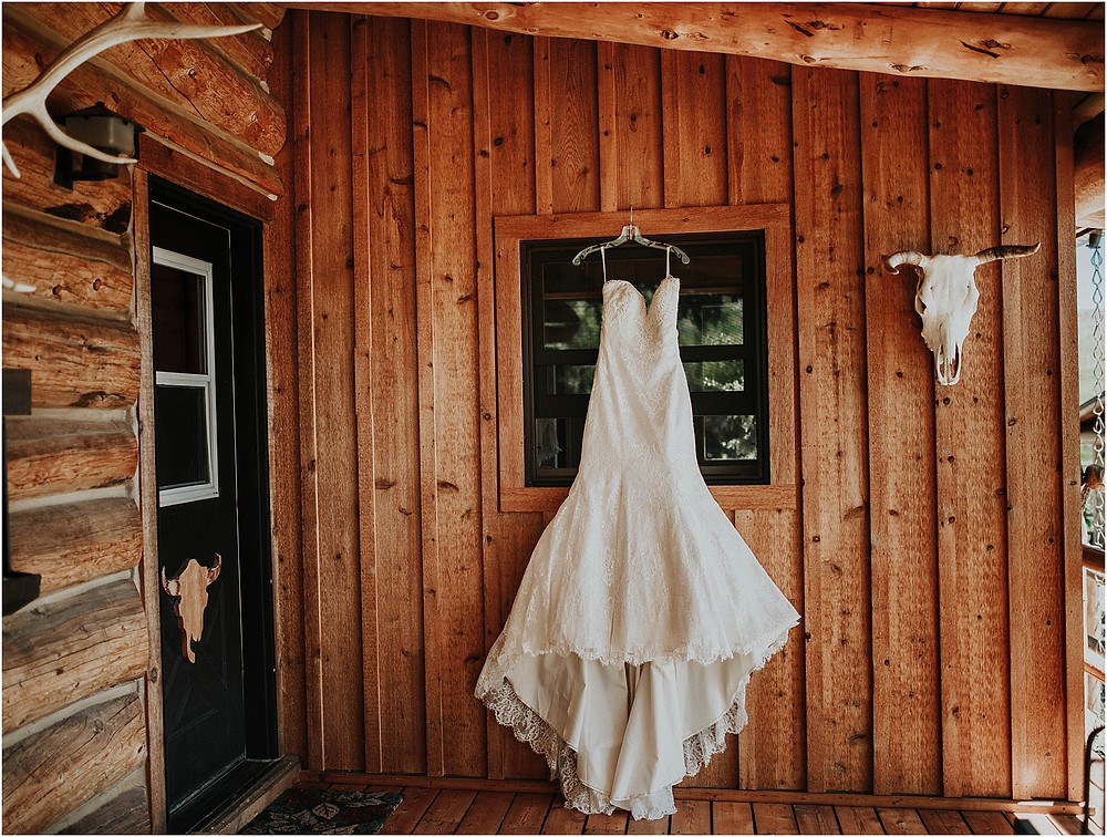 rustic wedding dress, log cabin wedding Crazy Mountains | Dejong Wedding in front of the mountains Big Timber, MT | Katy Shay Photo; Missoula, Montana photographer