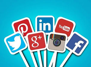 hire-a-social-media-consultant-ni6qdyflj