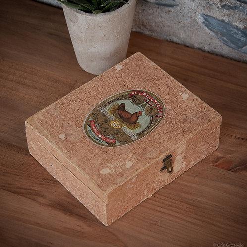 """ANCIENNE BOITE DE PELOTES DE COTON """"AUX PELOTES D'OR"""""""