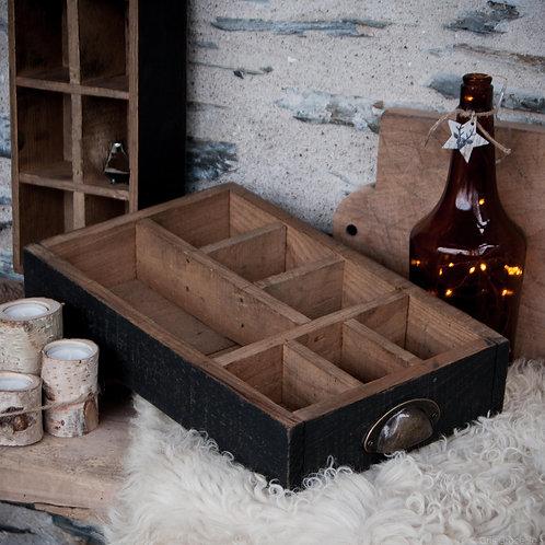 casier noir et bois au look industriel