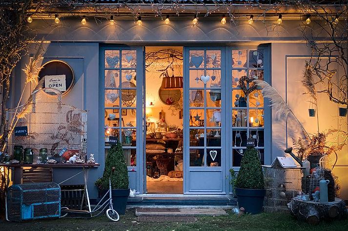 Facade Gris Groseille boutique déco brocante Angers 49.JPG