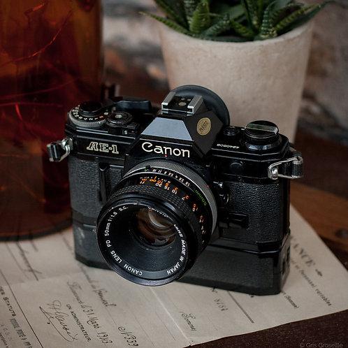 Canon AE-1 noir - Gris Groseille brocante appareil photo argentique vintage angers