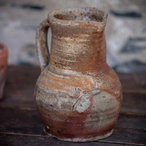 Pichet artisanal en grès - art populaire Wabi-Sabi