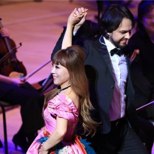 on stage with Sumi Jo