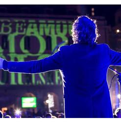 on stage ( Genova)