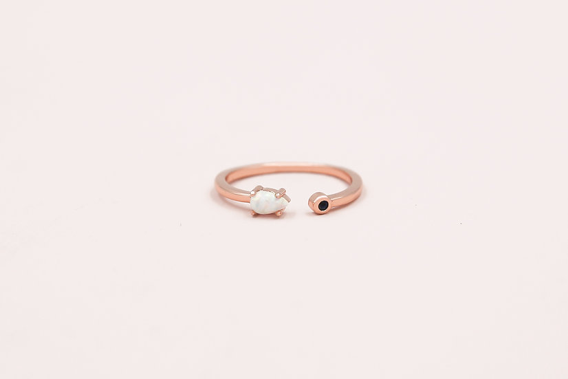 Favre Opal Ring in Rose Gold