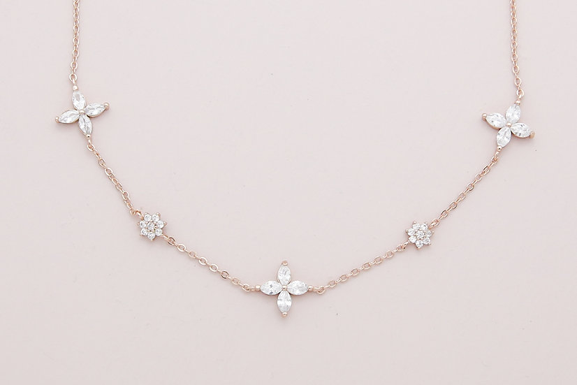 Elda Choker in Rose Gold