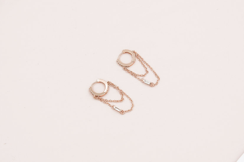 Aviana Baguette Chain Huggies in Rose Gold