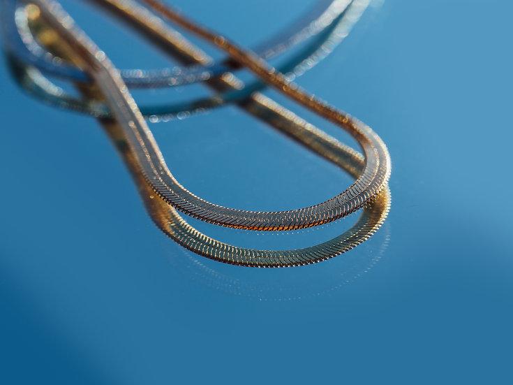 Snake Chain Herringbone Choker Necklace in Gold