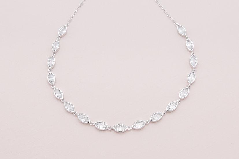 Alvia Choker in Silver