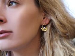 Pietra Pearl Earrings