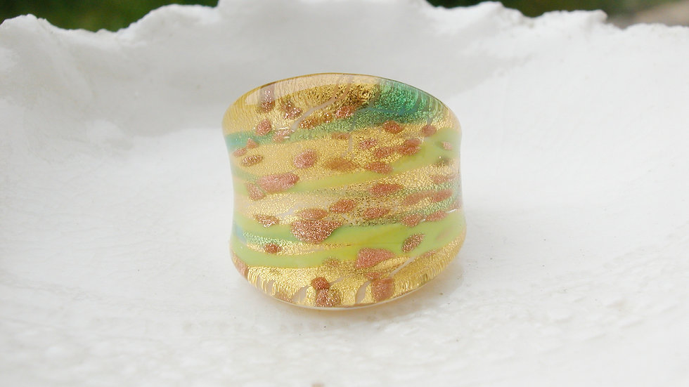 Murano Glass Ring UK R & 1/2 or US 7.75