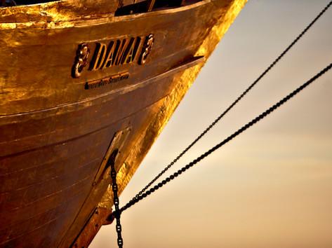 Damai 1 bow at sunset.jpg