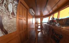 D2_Bridge Deck_Wheelhouse_01.jpg