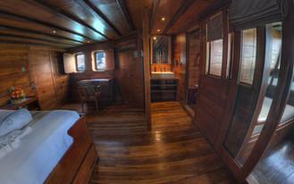 D2_Below Deck_Master Cabin 5_01.jpg