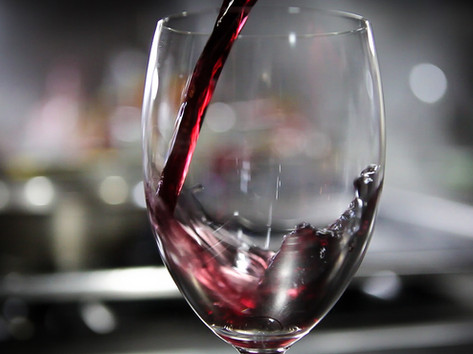 Pouring wine - video.jpg