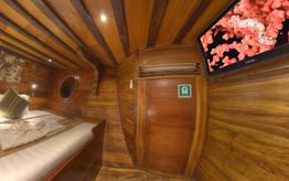 D2_Below Deck_Standard Cabin 4_03.jpg