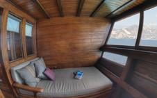 D2_Below Deck_Master Cabin 5_Balcony_02.