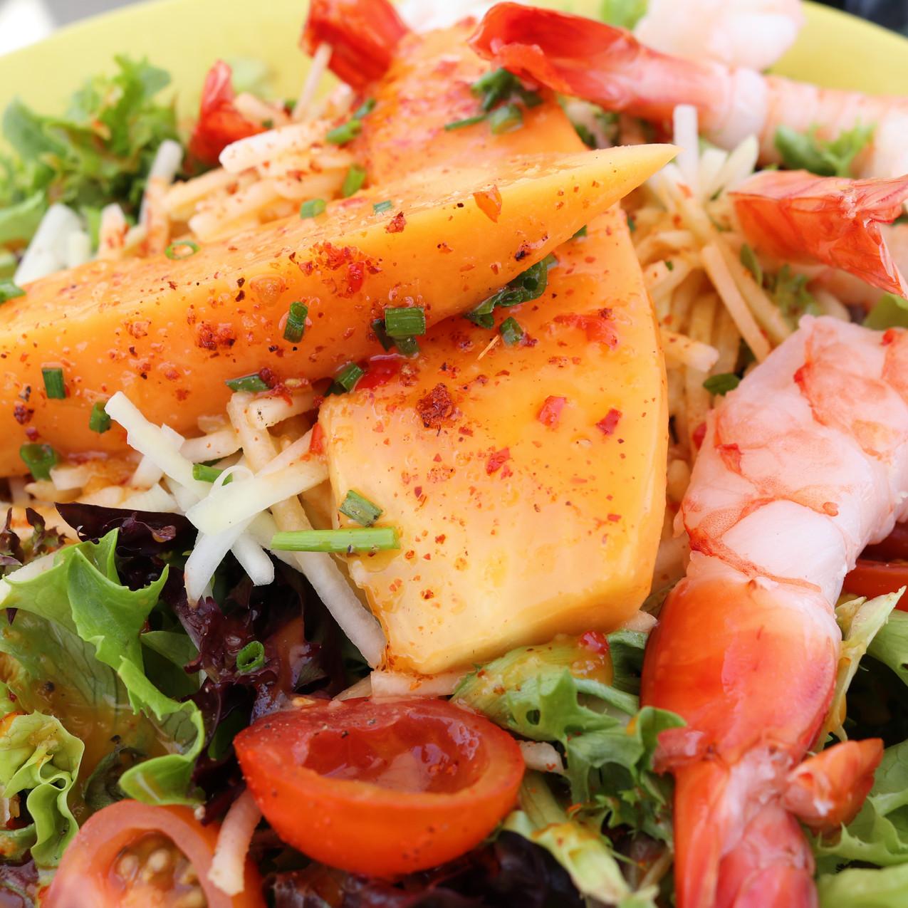 Shrimp, Lettuce, and Papaya Salad
