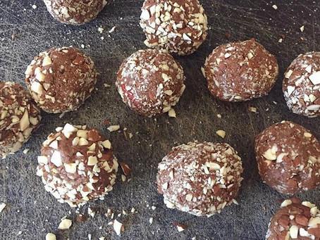 Chocolate and Goji Berry Protein Balls