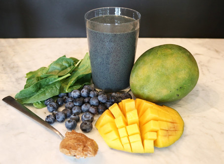 Mango, Blueberry, and Spinach Smoothie