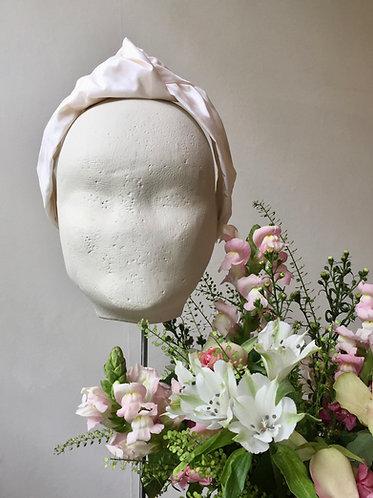 Bridal Knot in Ivory Silk Taffeta