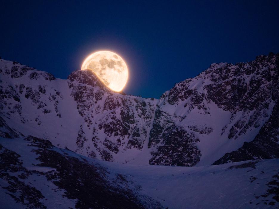 Full Moon Flattop-P1055106-Edit.jpg