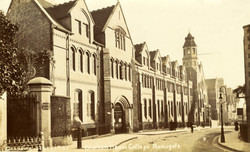 Chatham House in WWI as a Canadian Hospi